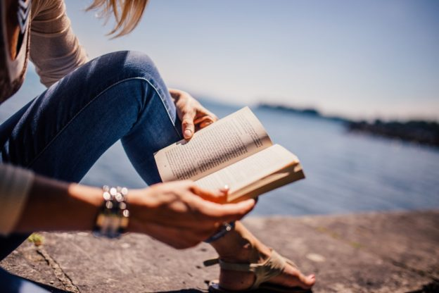 11 Best Summer Beach Reads