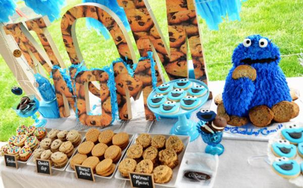 Cookie Monster-themed cookie swap