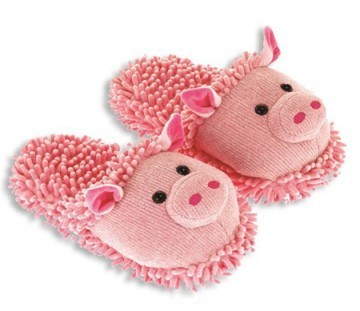 Fuzzy Friends Pink Pig Slippers from Aroma Home