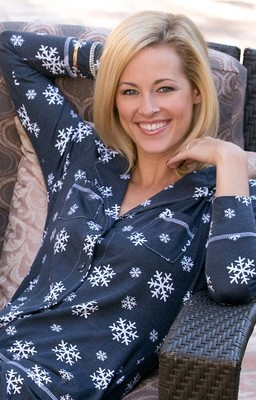 "Love + Grace ""Snowing"" Women's Pajama Set in Navy"