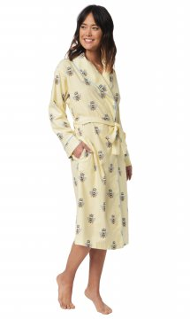 The Cat's Pajamas Women's Queen Bee Flannel Robe in Honey
